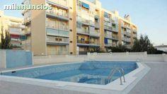 . Apartamento en urbanizaci�n privada con piscina y zonas verdes en La Pobla de Farnals. Cuenta con una superficie de 75 m� distribuidos en sal�n-comedor, 2 dormitorios, cocina y ba�o. La vivienda dispone de armarios empotrados en alguna de las estancias y