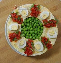Salată aperitiv de cartofi și țelină--Video | Retetele mele dragi Cobb Salad, Food, Essen, Meals, Yemek, Eten