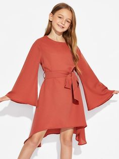 To find out about the Girls Trumpet Sleeve Solid Dress at SHEIN, part of our latest Girls Dresses ready to shop online today! Cute Girl Outfits, Kids Outfits Girls, Toddler Girl Outfits, Toddler Dress, Toddler Girls, Toddler Hair, Toddler Fashion, Fashion Kids, Korean Fashion