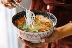 Thai Recipes, Cooking Recipes, Food Dishes, Ramen, Soups, Chinese, Chef Recipes, Thai Food Recipes, Soup
