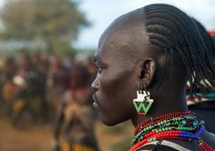 Bashada tribe warrior during a bull jumping ceremony, Dimeka, Omo valley, Ethiopia African Tribes, African Men, African History, Ethnic Hairstyles, African Braids Hairstyles, Africa People, Tribal Warrior, Eric Lafforgue, Ethiopia