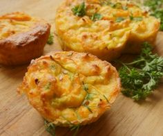 Nutrisystem provides a quick video tutorial explaining how to make delicious Loaded Omelet Muffins. Vegetarian Recipes, Cooking Recipes, Healthy Recipes, Zoodle Recipes, Meal Recipes, Dinner Recipes, Copycat Recipes, Vegetable Recipes, Omelette