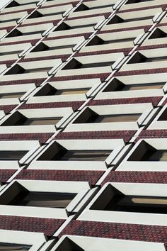 Urban Lines #6 - photo by Pavel Bendov, via fubiz