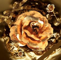 24k Gold Foil Plated Rose gold leaf rose Wedding Supplies Valentine 's Day Birthday New Year Gifts  Decorative flowers   http://www.slovenskyali.sk/products/24k-gold-foil-plated-rose-gold-leaf-rose-wedding-supplies-valentine-s-day-birthday-new-year-gifts-decorative-flowers/                                        .