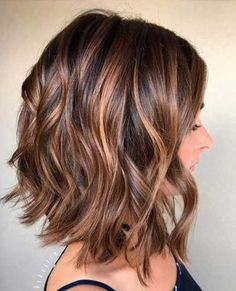Wavy Short Hair Ideas for a New Outlook