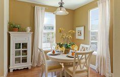 Cute dining area.  #diningrooms homechanneltv.com