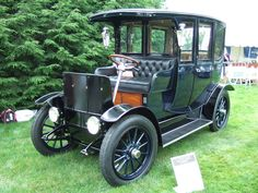 1912 Rauch and Lang Town Car - This particular electric car was owned and driven for a time by Thomas Edison. ... =====>Information=====> https://www.pinterest.com/gregledder/awesome-vehicles/?utm_campaign=activity&e_t=6c265662b0df46e3a9894acc80468088&utm_medium=2003&utm_source=31&e_t_s=board