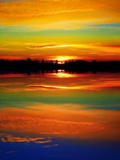 Sunrise…….LOOK AT HOW NATURE HAS COLORED THIS SKY……NO ARTIST COULD  DUPLICATE SUCH BEAUTY…………ccp