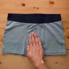 Amazing Life Hacks, Simple Life Hacks, Useful Life Hacks, Diy Crafts Hacks, Diy Home Crafts, Diy Projects, Diy Clothes And Shoes, Diy Clothes Videos, Fold Clothes