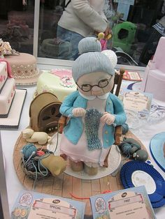 A knitting Granny cake at the Royal Show 2010 - very impressive
