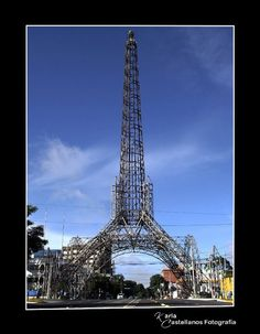 "Check out our #Guatemalan Eiffel Tower. #GuatemalaCity. Built in 1935 it is 71.85 meters. In Spanish is ""Torre del Reformador""."
