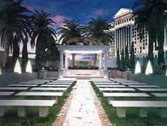 Juno Garden wedding location at Caesars Palace, Las Vegas. Seats up to 100 guests.