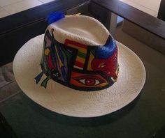 sombrero pintado Art Drawings, Drawing Art, Ankle Bracelets, Panama Hat, Bucket Hat, Decoupage, Hand Painted, Straw Hats, Gifts