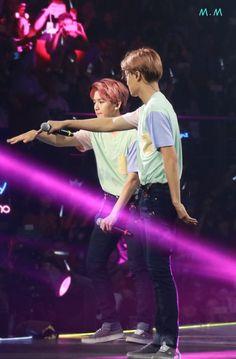 [HD] 151017 Baekhyun & Kai The EXO'luXion in Guangzhou (口口口_小明) http://ww3.sinaimg.cn/large/aaa104a4gw1exa0omoje4j21ce21qwup.jpg…