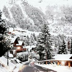Winter and Christmas aesthetic Winter Szenen, I Love Winter, Winter Magic, Winter Travel, Winter Beauty, Christmas Mood, Christmas Aesthetic, Winter Photography, Wonderful Time