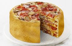 Oh yes, you read that right. Pizza cake is totally a thing. This recipe doubles regular two-pie dough for a layered cake that only the biggest pizza. Pizza Cake, Pizza Pizza, Pizza Food, Pizza Dough, Slice Pizza, Crust Pizza, Pizza Recipes, Cooking Recipes, Dessert