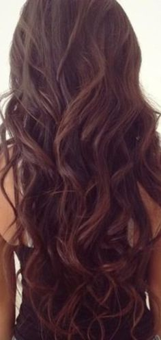 Brown hair / brunet / curls