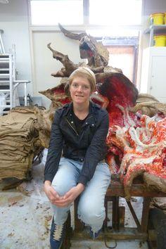 Maartje in haar atelier.