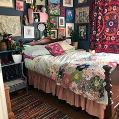 Home Bedroom Bed sheet Bed frame Furniture Curtain Bedding Quilting Gypsy Bedroom, Bohemian Bedroom Design, Bohemian House, Bedroom Bed, Bohemian Decor, Boho Chic, Bedroom Decor, Modern Bedroom, Eclectic Bedrooms