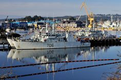 "HMCS Yellowknife and HMCS Brandon ""dressed overall"" for National Flag of Canada Day on February 2015 at HMC Dockyard Esquimalt. National Flag Of Canada, Navy News, West Coast Canada, Royal Canadian Navy, February 15, Canada Day, New View, Navy Ships, Water Crafts"