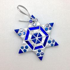 Great for a Hanukkah hostess gift for a holiday party, or Interfaith family, this mosaic mini star o Hanukkah Bush, Feliz Hanukkah, Hanukkah Gifts, Happy Hanukkah, Christmas Crafts For Gifts, Holiday Ornaments, Christmas Projects, Christmas Mosaics, Christmas Trees