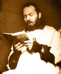 Happy Memorial of St Padre Pio/Pius of Pietrelcina – September 23 Catholic Art, Catholic Saints, Catholic Prayers, Divine Mother, Mother Mary, St Pio Of Pietrelcina, Famous Pictures, Religious Pictures, Saint Quotes