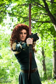 Custom Merida costume. I would love to wear this to Ren Faire-- via Etsy.