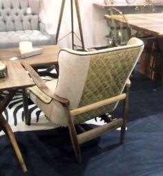 Sillón Nórdico madera de nogal, tapiz sued combinado con piel www.hepadecoracion.com
