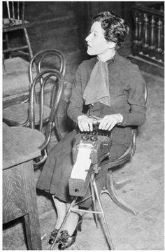 1930 Murder trial, court reporter, steno machine