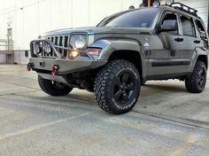 Arctic Edition ●       ● Jeep Liberty