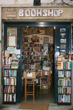 Trastevere's every empty cranny seems to be filled with a used bookstore or a café book bar. Wander the alleys and scout out a book to read on the plane . Book Aesthetic, Aesthetic Pictures, Library Books, Dream Life, Dream Job, Book Worms, Book Lovers, Arcade, Instagram