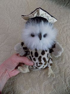 TY Attic Treasure Plush SOCRATES the Graduation Owl w/ cap & Tag Jointed toy uc