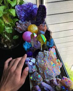 Crystals Minerals, Rocks And Minerals, Crystals And Gemstones, Stones And Crystals, U Rock, Crystal Drawing, Crystal Aesthetic, Eclectic Witch, Desert Flowers