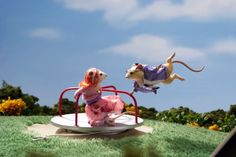 """One of the best parts of """"Dinner for Schmucks"""" was the extraordinary array of mouse dioramas. They took an existing art form and blew it out of this world with incredible sets and detail. Dinner For Schmucks, Maus Illustration, Illustrations, House Mouse, Wooden Case, Stop Motion, Felt Animals, Taxidermy, Guinea Pigs"""