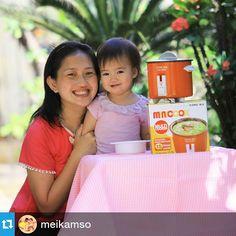 makan bubur bikin dengan Yong Ma mini cooker mantep banget deh..