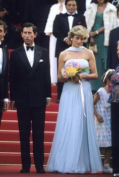 Pin for Later: Retour Sur les Meilleures Photos du Festival de Cannes Depuis Sa Création  Le Prince Charles et la Princesse Diana en 1987.