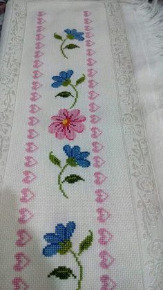 This Pin was discovered by ayl Just Cross Stitch, Cross Stitch Borders, Cross Stitch Baby, Cross Stitch Flowers, Cross Stitch Charts, Cross Stitch Designs, Cross Stitching, Cross Stitch Patterns, Diy Embroidery