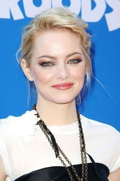 Emma Stone makeup. Beautiful! I really want to try this out on my friend :)