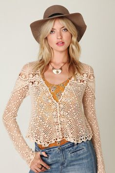 Crochet top  http://outstandingcrochet.blogspot.com/search/label/Crochet%20top#