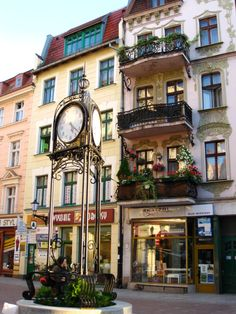 Torun - horloge, dans le centre historique polonia Central Europe, Big Ben, Clocks, Events, City, World, Building, Travel, Wonderful Places
