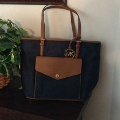 Michael Kors Tote (Authentic)✨✨Price Firm✨✨ Navy and Brown with gold trim Michael Kors Bags Totes