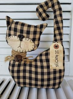Primitive Christmas Crafts, Sewing Crafts, Sewing Projects, Fabric Gift Bags, Cat Doll, Cat Pattern, Stuffed Animal Patterns, Burlap, Chiffon