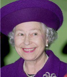 HM Queen Elizabeth 11 in stunning Violet.