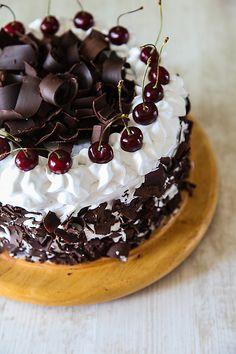 Eggless Black Forest Cake   DivineTaste German Desserts, Fancy Desserts, Cake For Boyfriend, Pastel Cakes, Mango Cake, Cake Decorating Videos, Black Forest Cake, Honey Cake, Chocolate Shavings