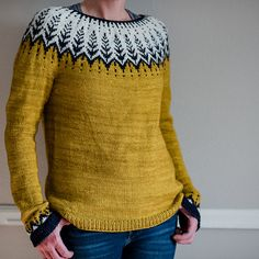 Vintersol by Jennifer Steingass - Pulli Sitricken Fair Isle Knitting, Hand Knitting, Knitting Patterns, Crochet Patterns, Icelandic Sweaters, Nordic Sweater, Sweater Weather, Knitting Projects, Ravelry