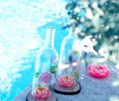Des bougies dans une bouteille ! Facile et joli Summer Deco, Carafe, Glass Vase, Home Decor, Candles, Pretty, Bottle, Color, Summer Decorating