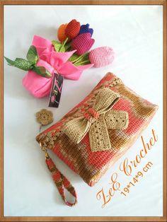 Crochet Mittens Free Pattern, Crochet Purse Patterns, Crochet Headband Pattern, Crochet Coin Purse, Crochet Pouch, Crochet Purses, Magic Ring Crochet, Crotchet Bags, Crochet Baby Boots