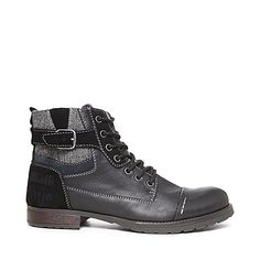 Different Types Of Sneakers – Sneaker Deals Fashion Boots, Sneakers Fashion, Mens Fashion, Steve Madden Boots, Designer Boots, Dress To Impress, Hiking Boots, Men's Shoes, Footwear