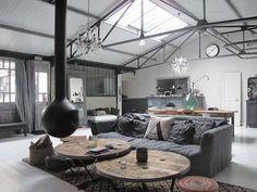 Industriële bank sofa couch industrial Chesterfield leren bank stoffen bank industrieel interieur industrial interior