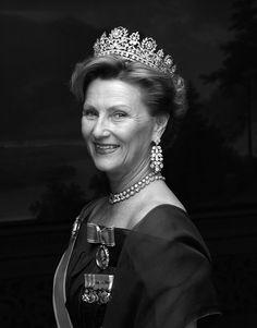 Queen Sonja of Norway wearing the Desirée Tiara.